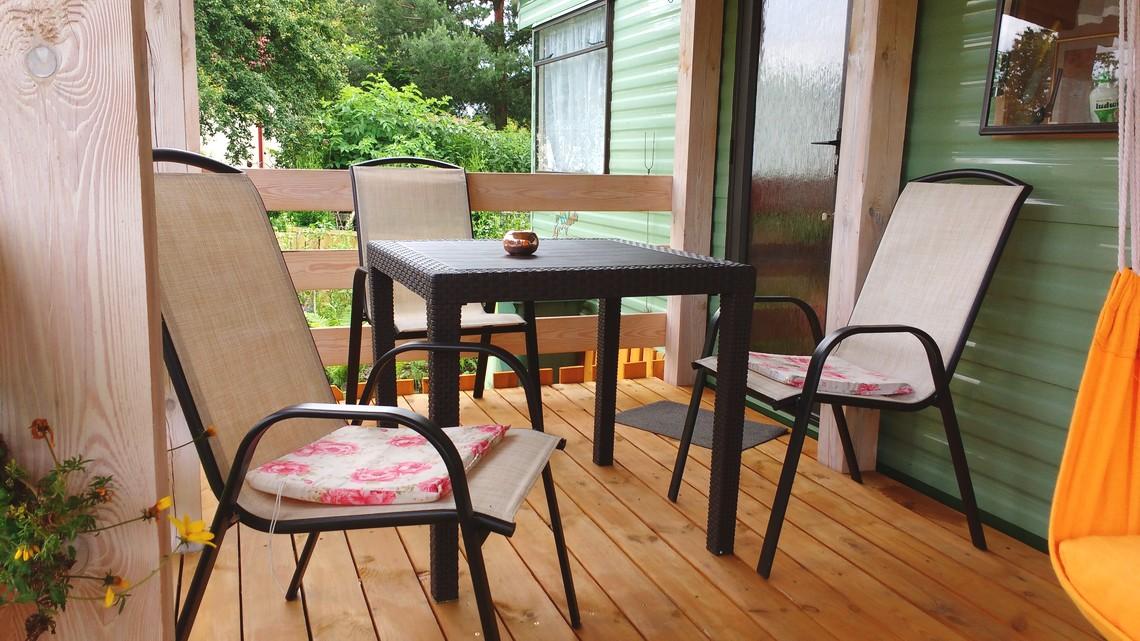 taras wypoczynkowy dla gości noclegi, apartament Miodowy Holiday.